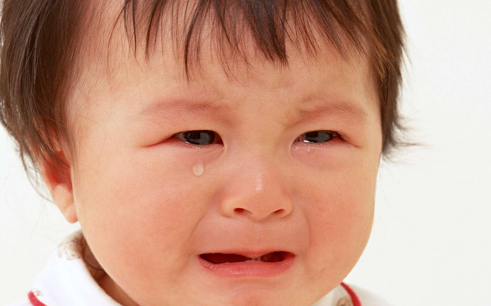 صورة أضرار كثرة البكاء على صحة الإنسان والأطفال بشكل خاص