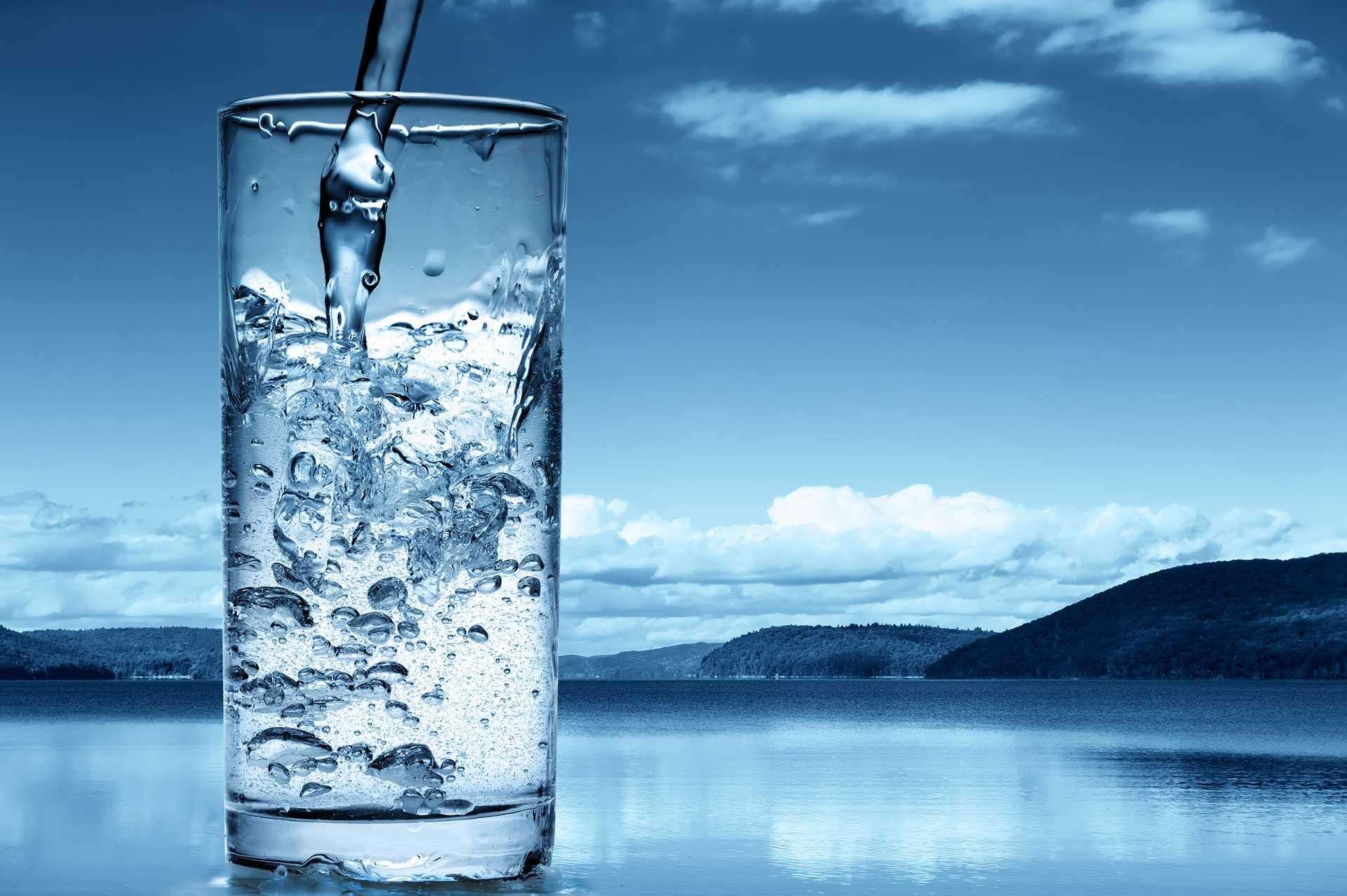 صورة اضرار تناول الماء بكثرة